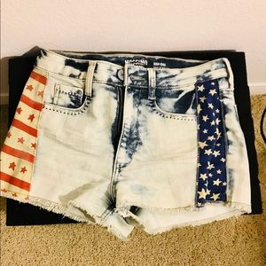 Mossimo Supply Co. Women's PATRIOTIC SHORTS Size 7